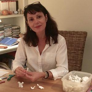 Portrait d'Oriane Rondeau à son bureau